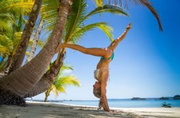 eva hand stand Unlimited Adventures Coiba